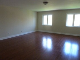 vacant room before staging